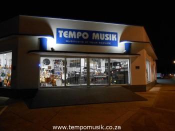 tempo musik by night