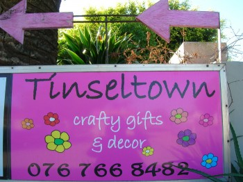 tinseltown crafty gifts and décor and simply bags